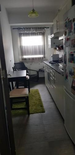 Caut colegă într-un apartament