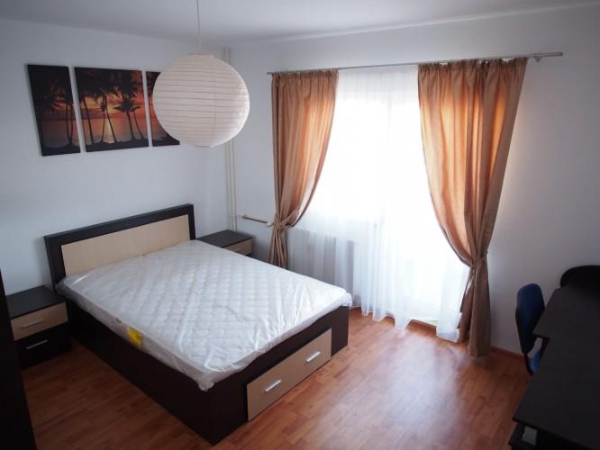Camera de inchiriat Vitan, M Mihai Bravu (exclusiv fete)
