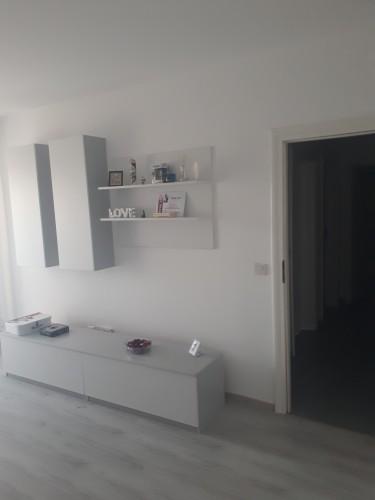 Caut coleg / a de apartament 2 camere nou