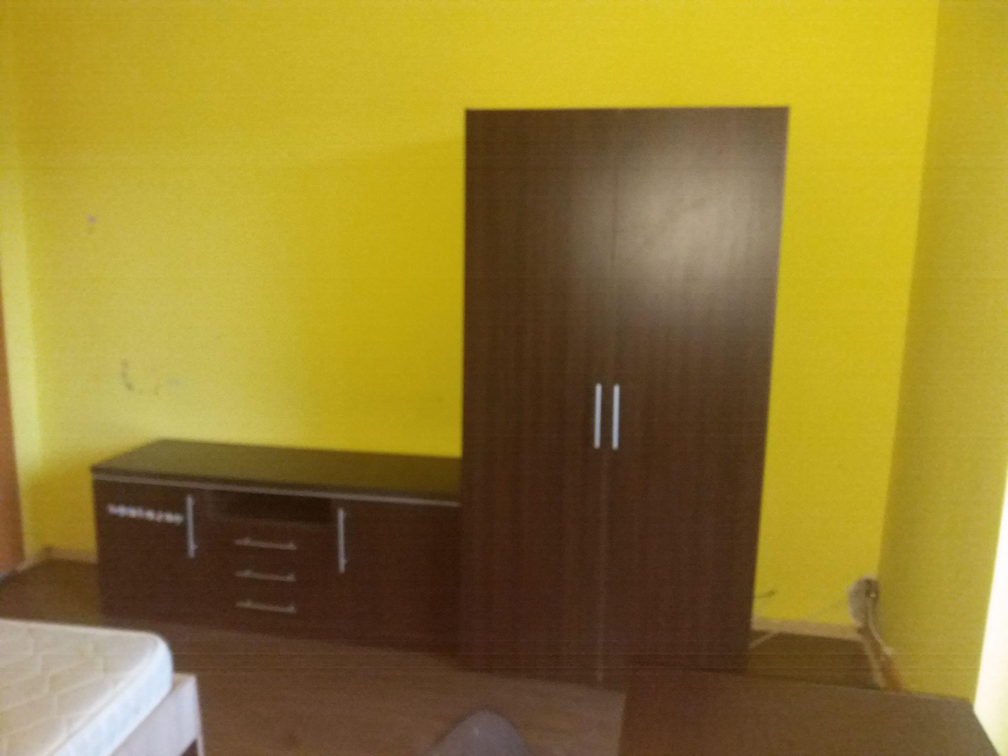 Caut colega de apartament intr-un apartament decomandat