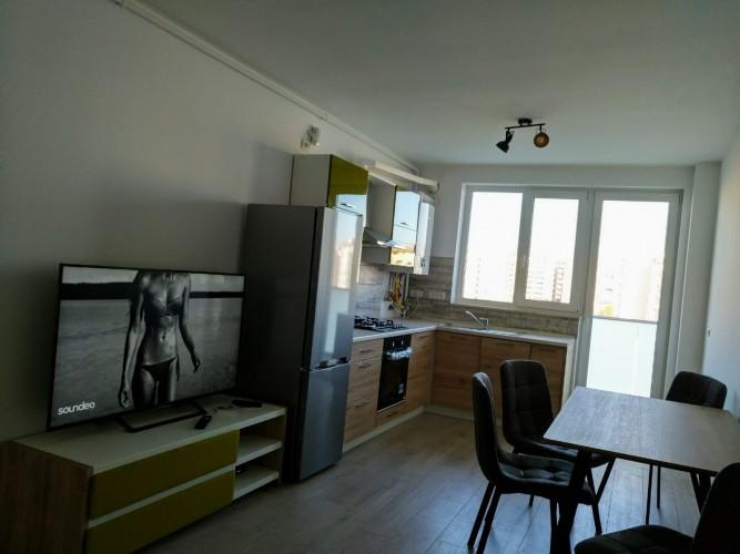 Caut coleg/a de apartament, liber din 01 septembrie, zona Torontalului/VOX