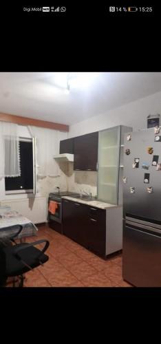 Caut coleg/a dr apartament