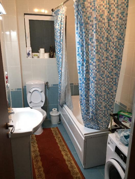 Camera de inchiriat in apartament cu 3 camere decomandate